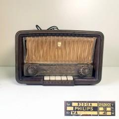 #015 - Altes Radio