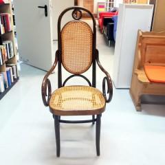 #049 - Stuhl (geflochten)