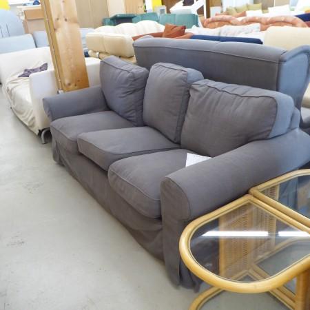 Dunkelgraues 3er Sofa