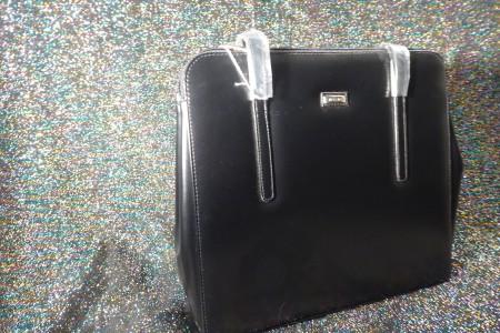Schwarze Damenhandtasche; Artikel-Nr.: 3019